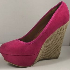Body Central suede Wedges